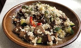 Zeleninová rýže s tempehem