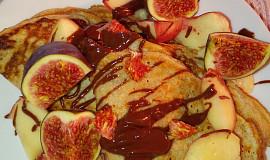 Celozrnné palačinky s ananasovým pudinkem a kefírovým mlékem