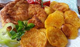 Kuřecí řízky dopékané na bramborách