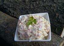 Jemný hermelínový salát se smetanou