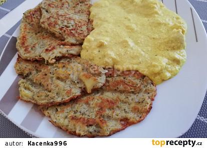 Sýrová kari omáčka se smetanou a kuřecím masem