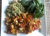 Tofu s cizrnou a zeleninovou směsí
