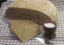 Špaldovo-žitný chléb s vlašskými ořechy