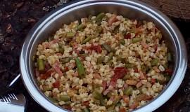Teplý kroupový salát s fazolkami