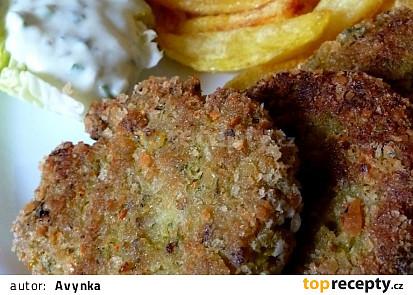 Brokolicové karbanátky s domácími hranolky a s jogurtovým  dipem
