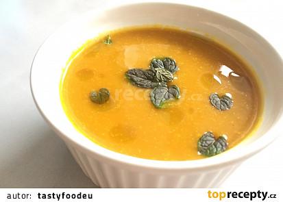 Dýňová polévka Hokkaido se smetanou