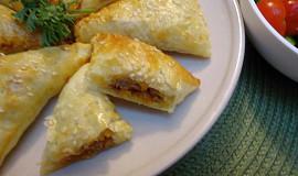Empanada (slaný koláč) s hovězím masem a sýrem