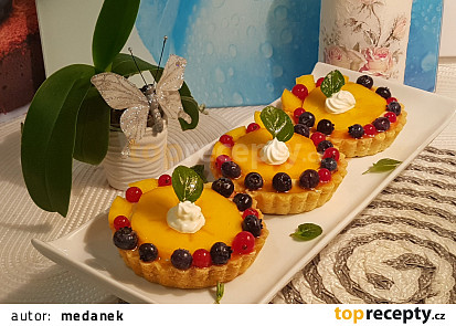 Kaki dortíčky a řezy s karamelovým mascarpone