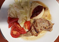 Pečený králík s hořčicí a anglickou slaninou