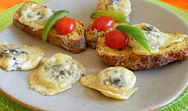 Pečená cibule se sýrem - rychlá večeře
