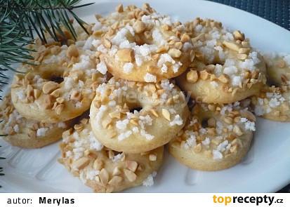 S arašídy a granulovaným cukrem