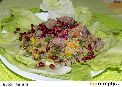Salát z quinoy s granátovým jablkem