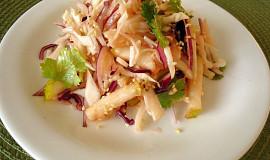 Asijský zelný salát s hruškou