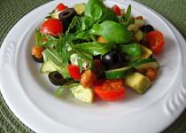 Avokádový salát s pečenou cizrnou