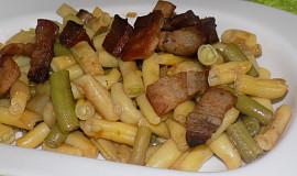 Fazolkový salát se slaninou