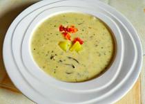 Krémová bramborová polévka se smetanou
