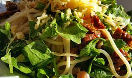 Špagety s uzeným lososem a sušenými rajčaty