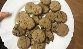 Arašídové sušenky s  kousky čokolády