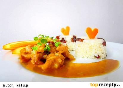 Kuřecí nudličky v pomerančové šťávě a medu, s rozinkovou rýží