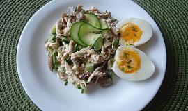 Salát s hlívou ústřičnou a kuřecím masem
