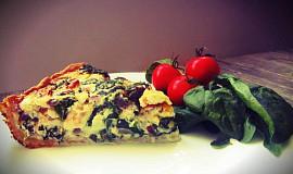 Špenátový quiche s kozím sýrem a sušenými rajčaty