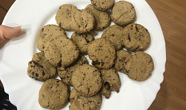 Sušenky s arašídovým máslem a čokoládou