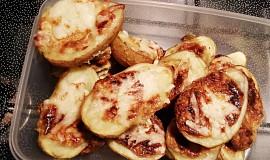 Pečené brambory plněné sýrem