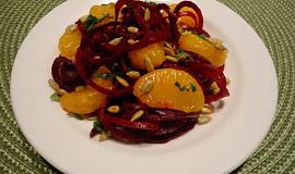 Salát ze syrové červené řepy s mandarinkami