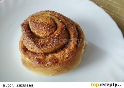 Měkké skořicové šneky (Cinnamon rolls)