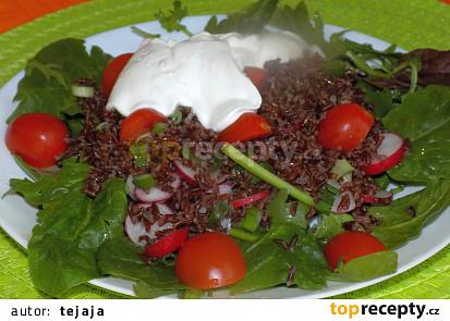 Salát s červenou rýží