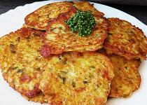 Bramborovo - sýrové placičky se šunkou a bylinkami