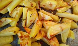 Brambůrky z trouby s rozmarýnem a česnekem