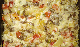 Džuveč zapečený se sýrem a mletým masem
