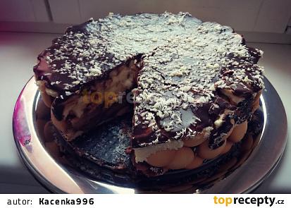 Nepečený dort s pudinkovou náplní a ovocem