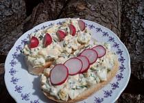 Vajíčková pomazánka / salát s medvědím česnekem