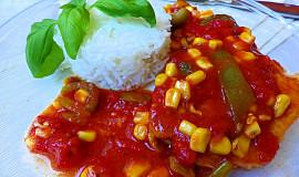 Vepřové kotlety na rajčatech s kukuřicí