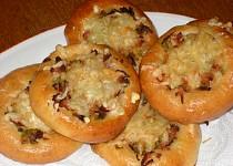 Tatarkové koláčky s pórkovou náplní