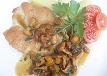Kuřecí steak na rozmarýnu s liškami
