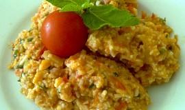 Rýže  v rajčatové omáčce se zeleninou,  uzeným masem  a mátou