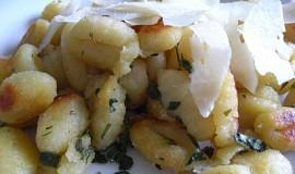 Gnocchi s bylinkami a sýrem