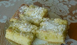 Hrnkový koláč s rebarborou
