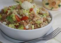 Květákový salát s masem a sójovým granulátem