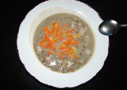 čočková polévka s uzeným a mrkví