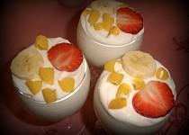Jogurtové poháry s ovocem