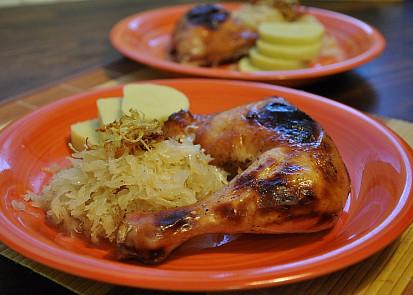 Medové kuře na zelí s bramborovým knedlíkem