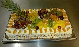 Ovoce s jogurtovým krémem