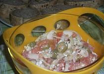 Rychlý pikantní zeleninový salát a paprikovým Cottage