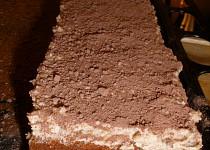 Kakaový řez s horalkovým krémem