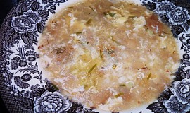 Chlebová polévka s kroupama