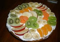 Mrkvovo-jogurtový koláč s ovocem